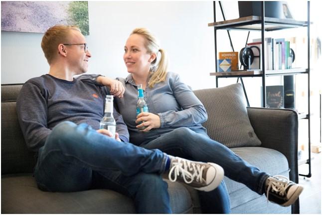 Ida und Florian haben sich darauf spezialisiert, emotionale Verletzungen und Probleme bei Paaren zu lösen.